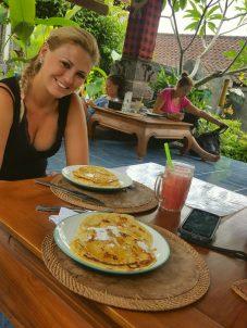 Reggeli: banánpalacsinta és dinnyelé