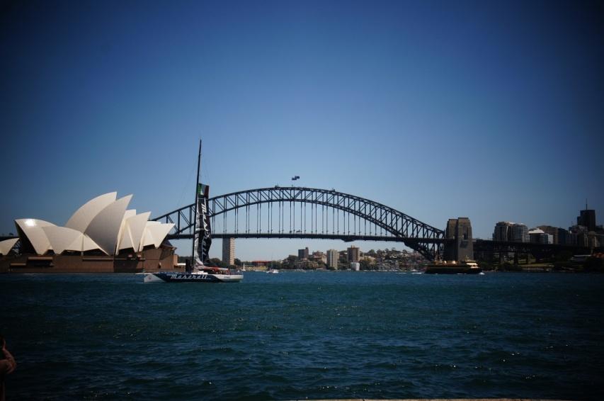 Sydney operaház és Harbor Bridge